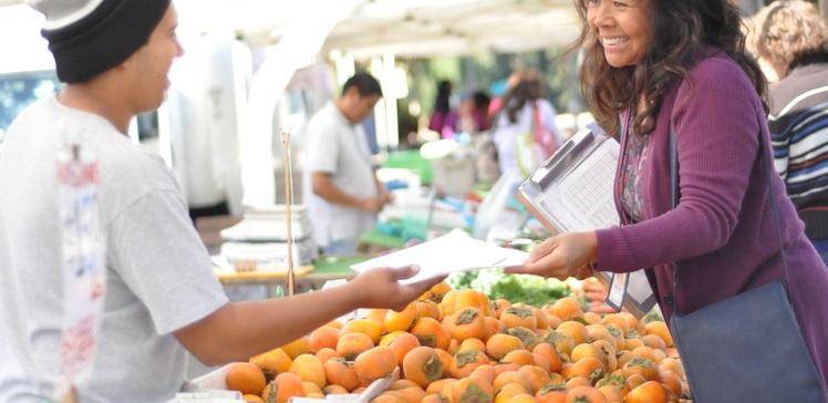 vegetabe xurma insanlar teseruffat bazar