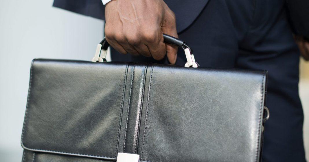 chair person suitcase sumka portfel