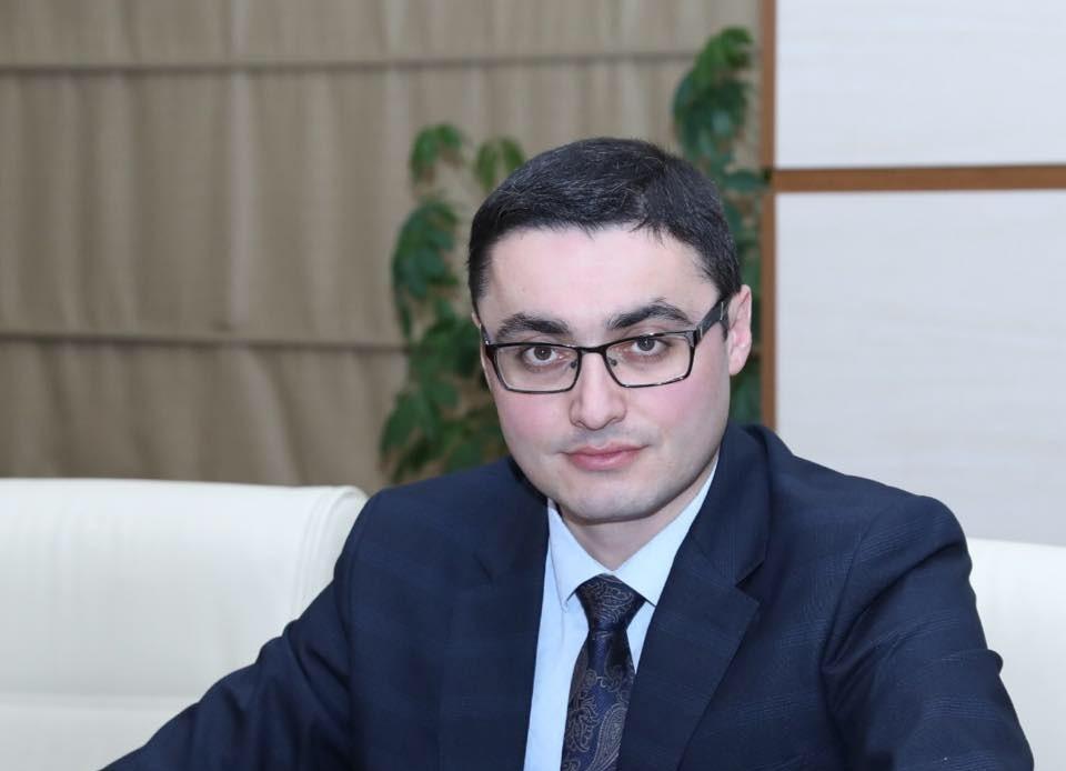 """Fazil Talıbov: """"Adında 49 mənzil olan vətəndaşın 190 manata ehtiyacı ola  bilər?!"""""""