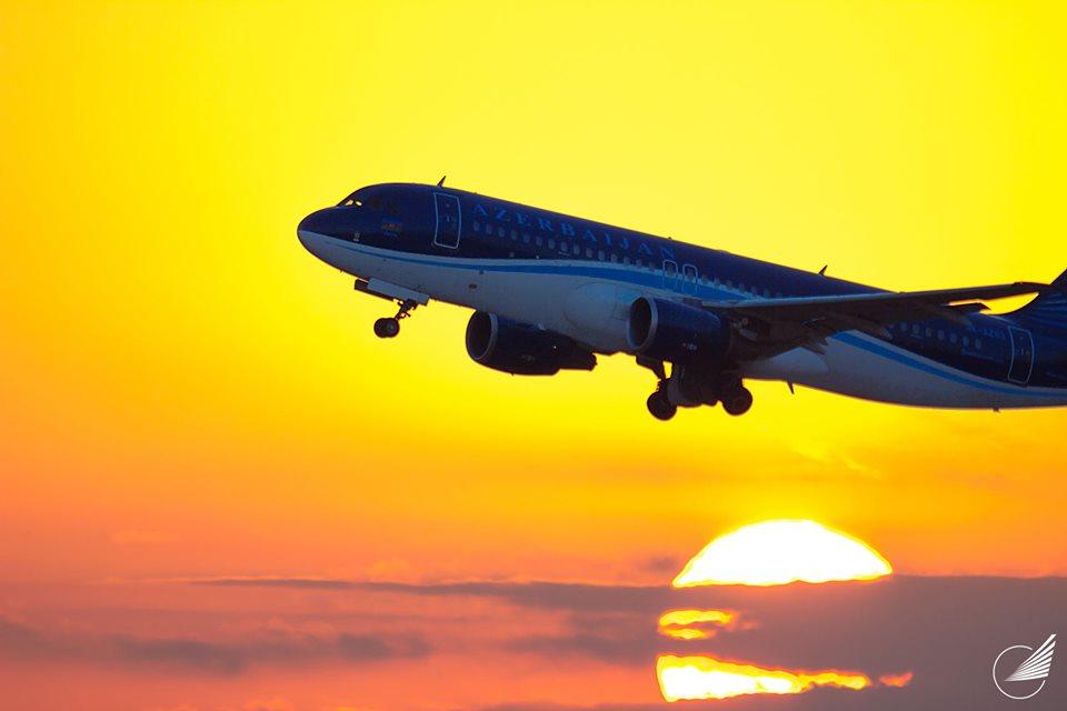 azal azerbaijan airline plane