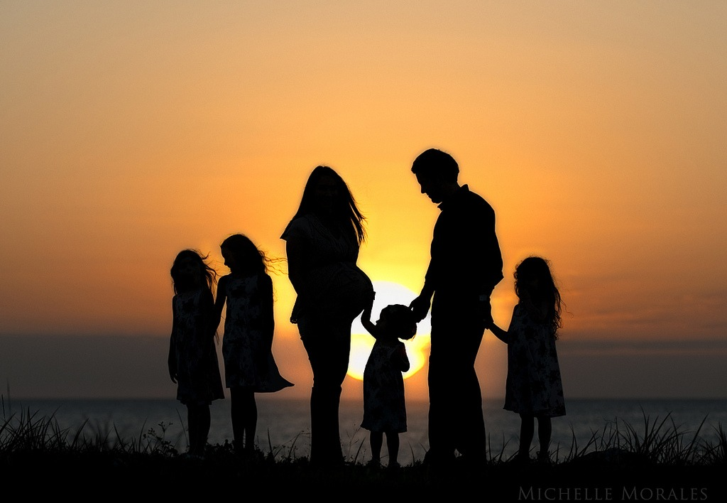 familyhappysunset 1