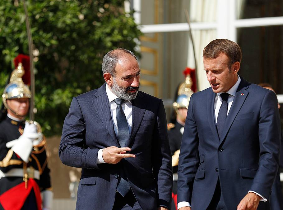 Paşinyan və Makron Qarabağ məsələsini telefonla müzakirə ediblər