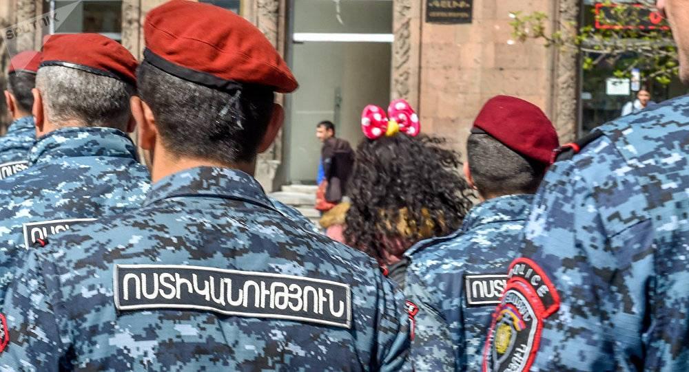 ermeni polis